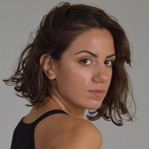 1997 / Laura R. / 1,65M / atriz